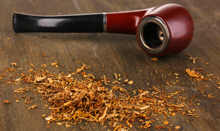 Tobacco Pipe with tobacco