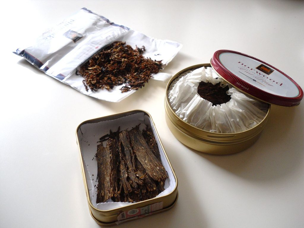 Different types of pipe tobacco