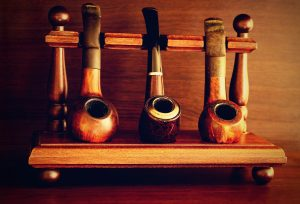 Tobacco pipes with filters