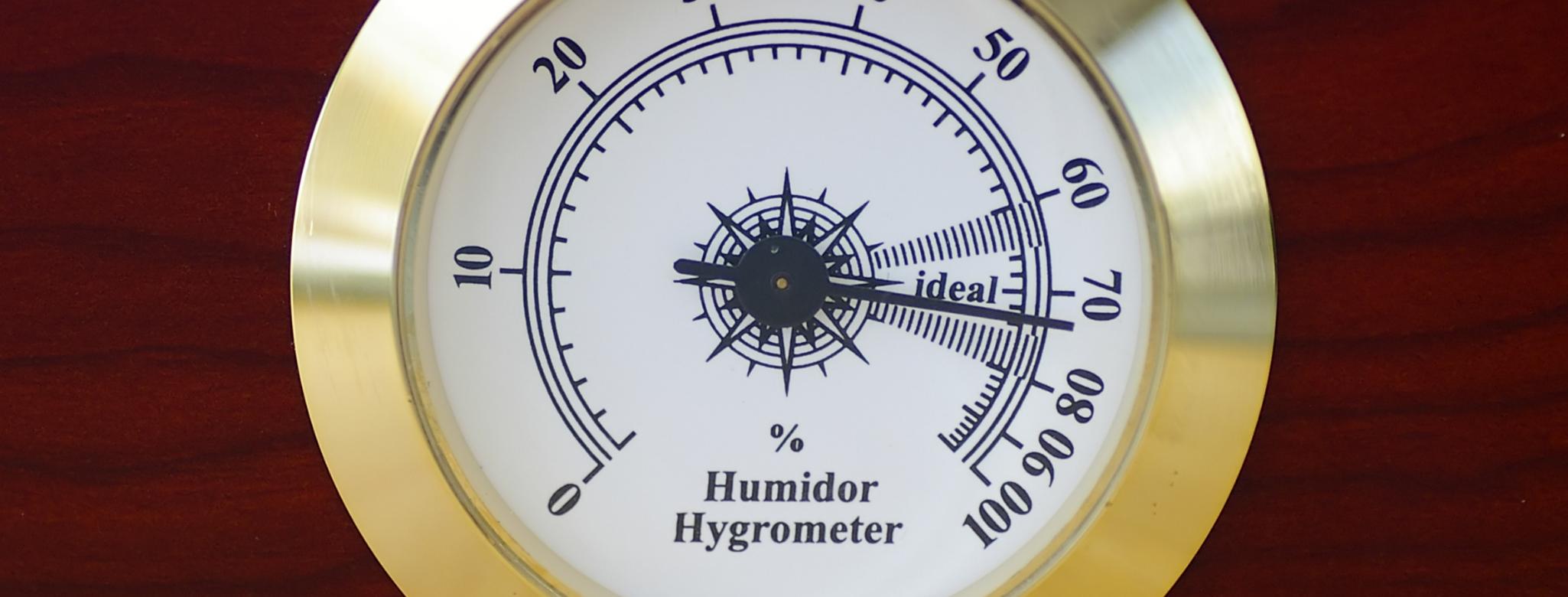 a humidor hygrometer